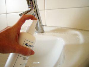 Nanox Anwendung am Waschbecken